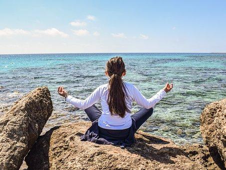 マインドフルネス瞑想ってどうやるの?