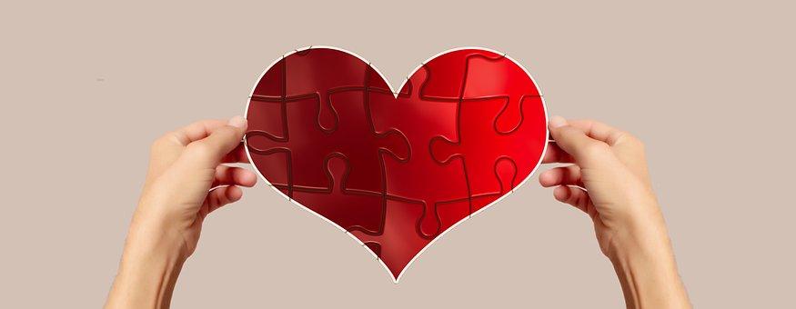 恋人としての好意と友達としての好きの違い|恋ごころの感情とは?