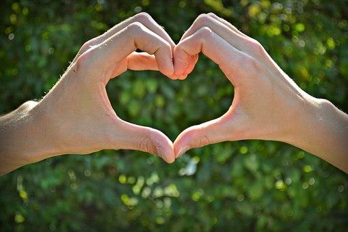 共感力を高めて恋愛を成功させるには読書をするのがベスト