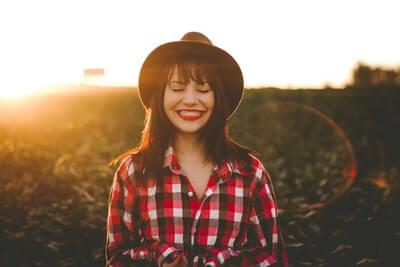 どうしたら幸せになれるのか?幸せを構成する4つの要素を科学的に解説