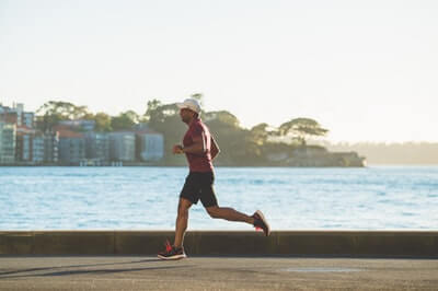 ジョギングが禁煙のイライラや体重増加を予防してくれる