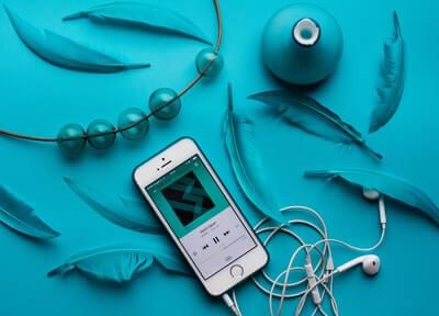 flier(フライヤー)はビジネス書の要約を1冊10分で音声学習できる朗読アプリ